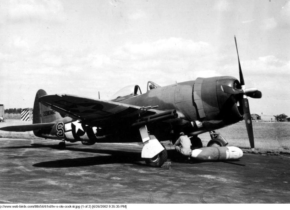 USAAF-42-28382-P-47D-Thunderbolt-8AF-56FG61FS-HV-S