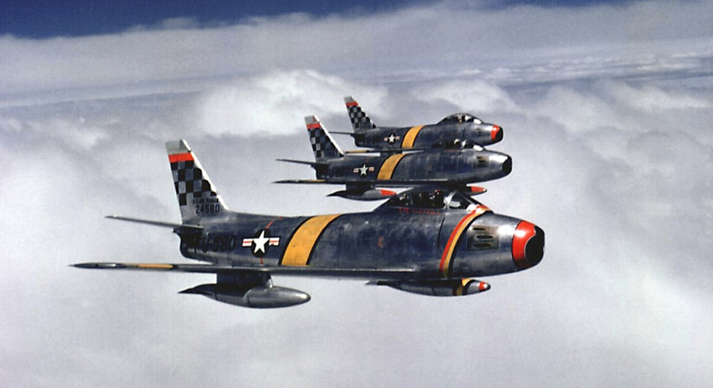 Col_Ben_O._Davis_leads_F-86_flight_(51st_FIW,_Korea)
