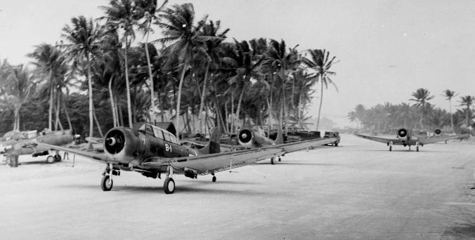 SBDs_VMSB-231_Majuro_1944